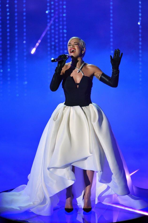 Performanca e Rita Ora në The OSCARS 2015